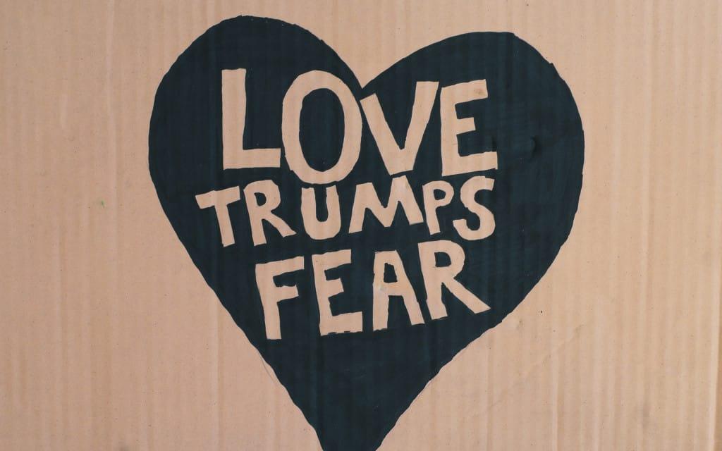 LoveTrumpsFear-Desktop1
